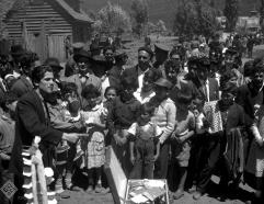 Vendedores y personajes populares en la feria en torno a la festividad, años 50
