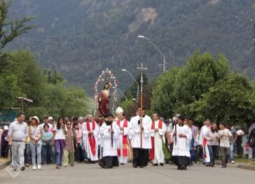 Procesión por las calles de Lonquimay